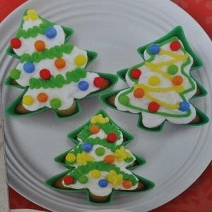 6 Christmas Tree Non Stick Silicone Baking Cups